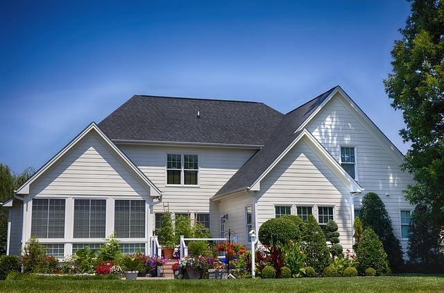 How to sell an older house faster